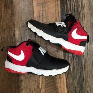 Nike athletic shoes boy 13